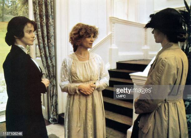 actresses AnnMargret Julie Christie and Glenda Jackson in a scene from 'The Return of the Soldier' directed by Alan Bridges 1982