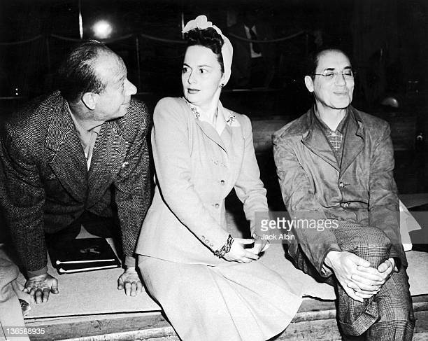 American actor Bert Lahr actress Olivia de Havilland and comedian Groucho Marx on tour with the Hollywood Victory Caravan USA 1943 The Hollywood...