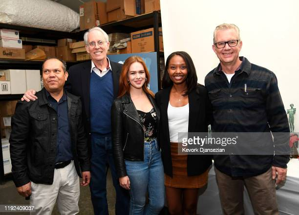 Left to right Angel Meza of American Fine Arts Foundry SAG Awards Committee Vice Chair Daryl Anderson Committee Member Elizabeth McLaughlin SAG...