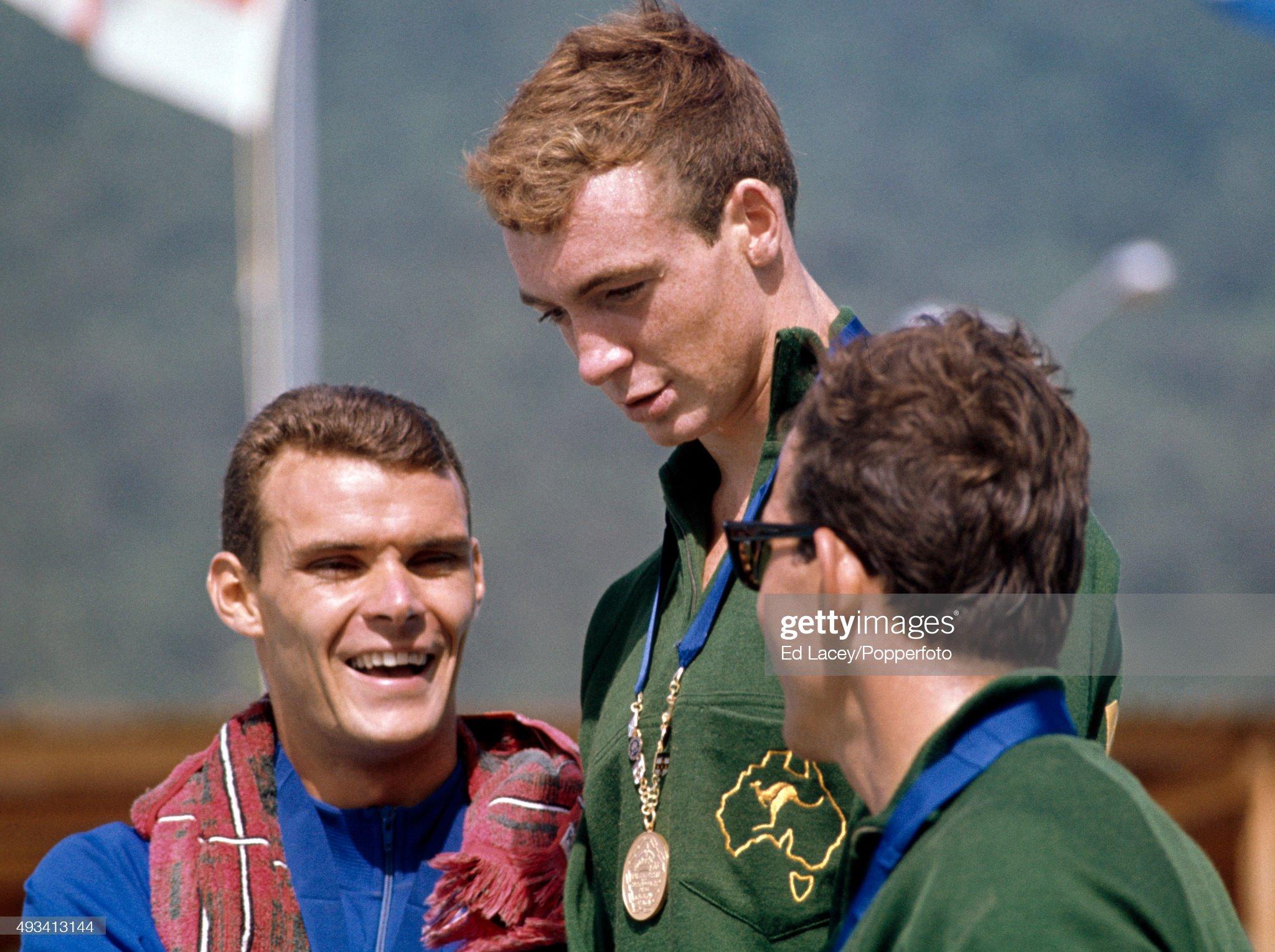 Men's 110 Yard Freestyle Medallists - Commonwealth Games : Fotografía de noticias