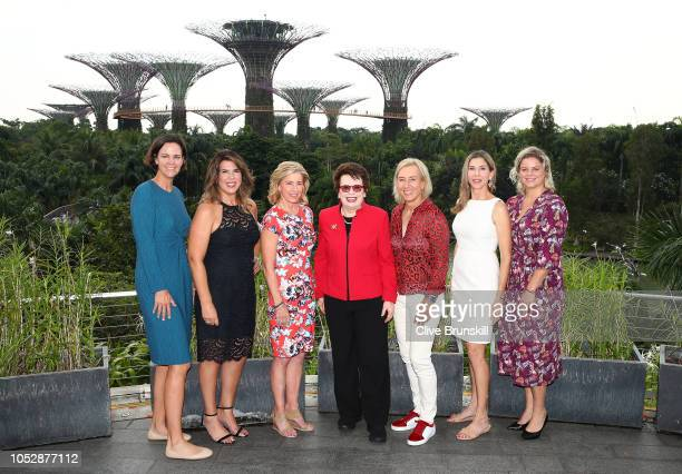 Left to right Lindsey Davenport Jennifer Capriati Chris Evert Billie Jean King Martina Navratilova Monica Seles and Kim Clijsters pose for a photo...