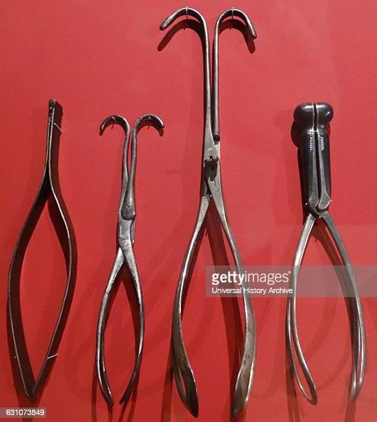 Obstetrical forceps, Chamberlen, 1680-1750;Obstetrical forceps, Chamberlen 1680-1750;Obstetrical forceps, Smellie 1740-1760;Obstetrical forceps...