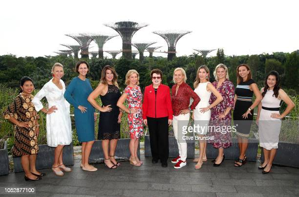 Left to right Yayuk Basuki Alicia Molik Lindsey Davenport Jennifer Capriati Chris Evert Billie Jean King Martina Navratilova Monica Seles Kim...