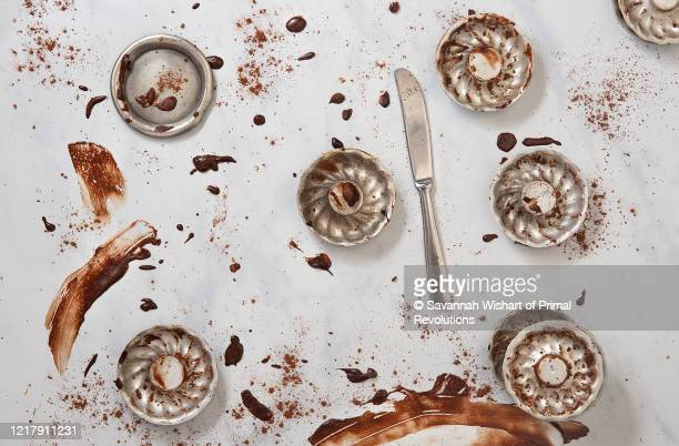 leftovers of paleo chocolate donuts - savannah wishart foto e immagini stock