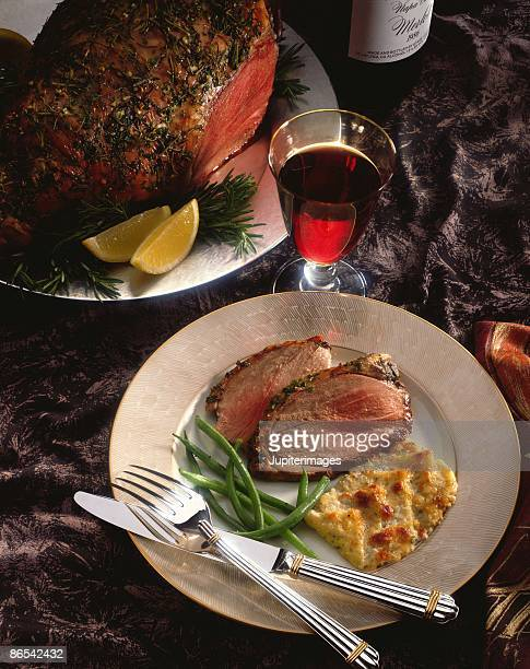 Leg of lamb with vegetables and wine