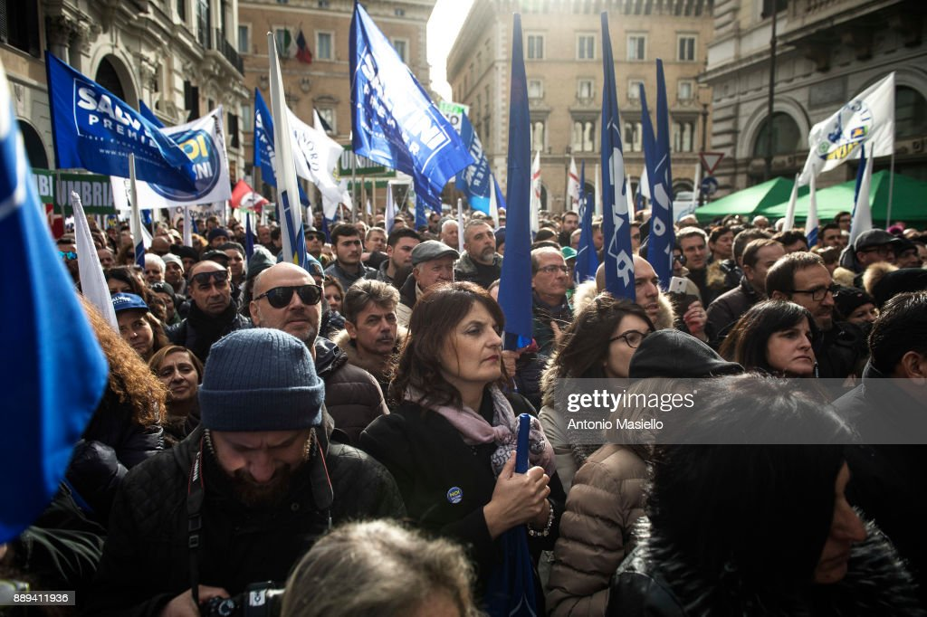 Lega Nord Party Supporters Demonstrate Against The 'Ius Soli' Law : News Photo