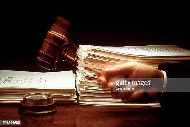 legal decisions - crime or recreational drug or prison or legal trial stock-fotos und bilder