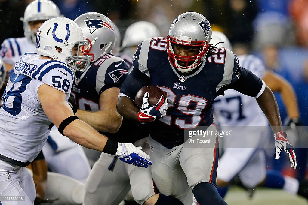 Divisional Playoffs - Indianapolis Colts v New England Patriots : News Photo