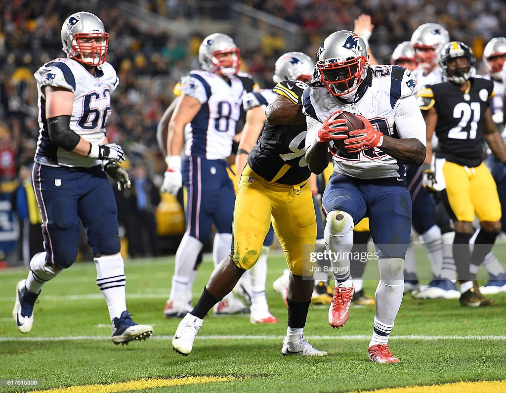 LeGarrette Blount #29 of the New England Patriots rushes for a touchdown in the second half during the game Pittsburgh Steelers at Heinz Field on October 23, 2016 in Pittsburgh, Pennsylvania.