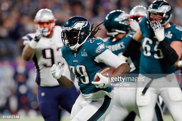 LeGarrette Blount of the Philadelphia Eagles carries the ball for a 21-yard touchdown run during the second quarter against the New England Patriots...