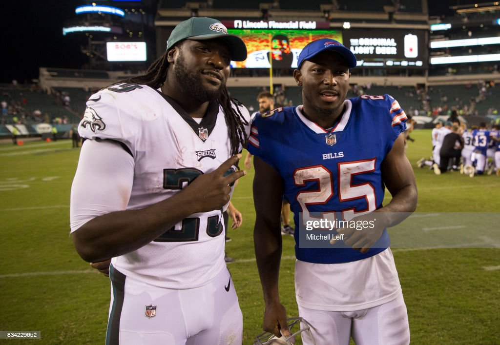 LeGarrette Blount #29 of the Philadelphia Eagles poses for a picture with LeSean McCoy #25 of the Buffalo Bills after the preseason game at Lincoln Financial Field on August 17, 2017 in Philadelphia, Pennsylvania. The Eagles defeated the Bills 20-16.