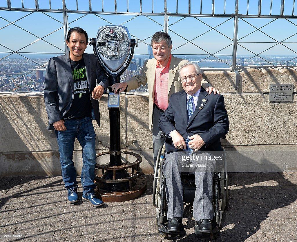Victor Espinoza, Jean Cruguet & Ron Turcotte Visit The Empire State Building