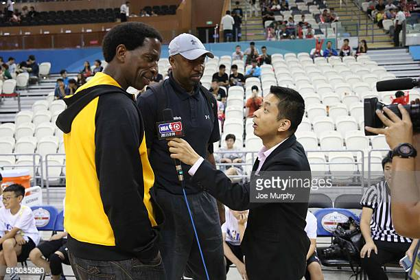 Legends AC Green and Vin Bakers takes part during Fan Appreciation Day as part of the 2016 Global Games China at Oriental Sports Center on October 7...