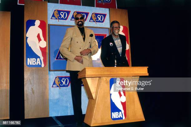 Legends Wilt Chamberlain and Bill Russell smile during a press conference to announce the 50 Greatest Players in NBA History on October 29 1996 in...