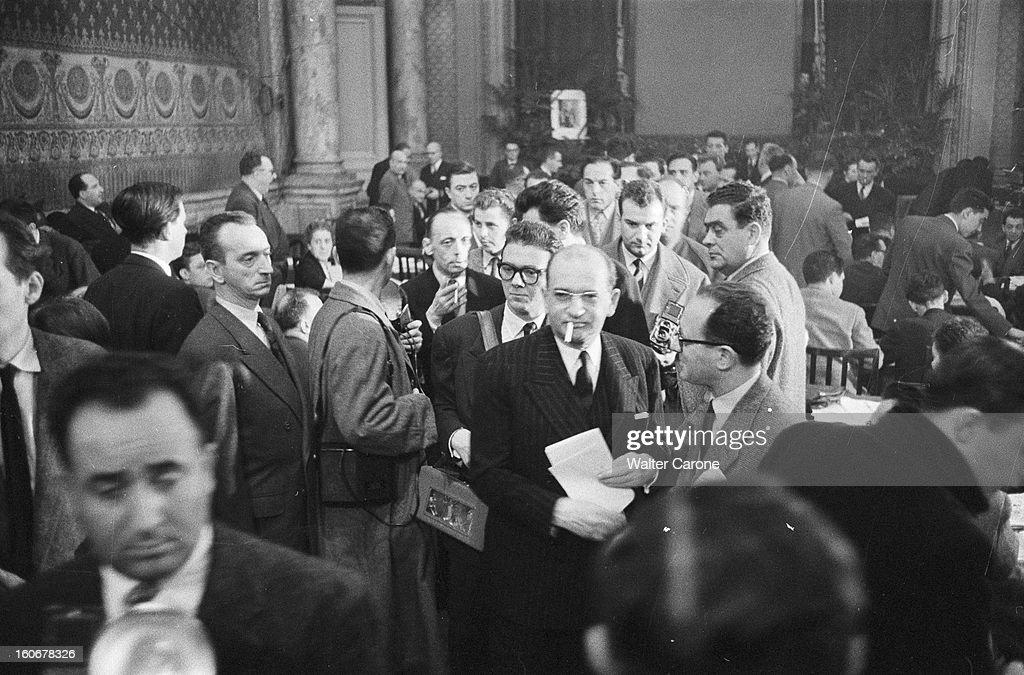 https://media.gettyimages.com/photos/legislative-elections-of-1956-en-france-paris-au-ministre-de-le-2-picture-id160678326