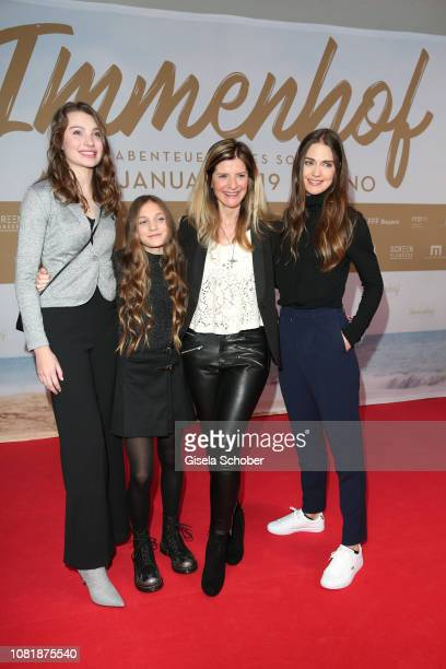 Leia Holtwick Ella Paeffgen Director Sharon von Wietersheim and Laura Berlin during the premiere of the film 'Immenhof Das Abenteuer eines Sommers'...