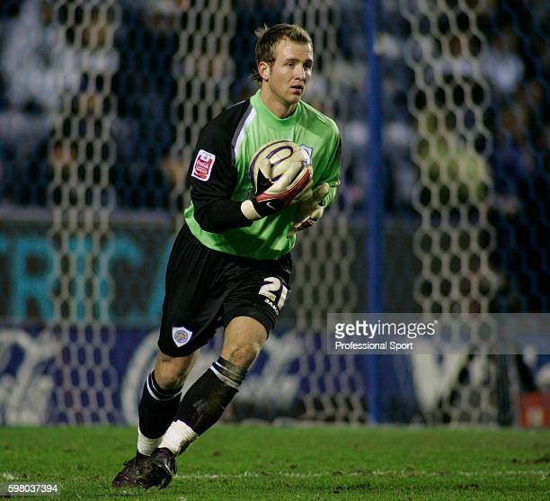 Leicester City goalkeeper Ben Alnwick in action during the Coca Cola Championship match between Leicester City and Crystal Palace at the Walkers...