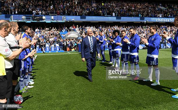 Leicester City manager Claudio Ranieri is given a guard of honour from Chelsea players before kick off
