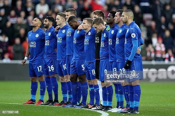 Leicester City players observe a minutes silence for the victims of the plane crash involving the Brazilian club Chapecoense prior to the Premier...