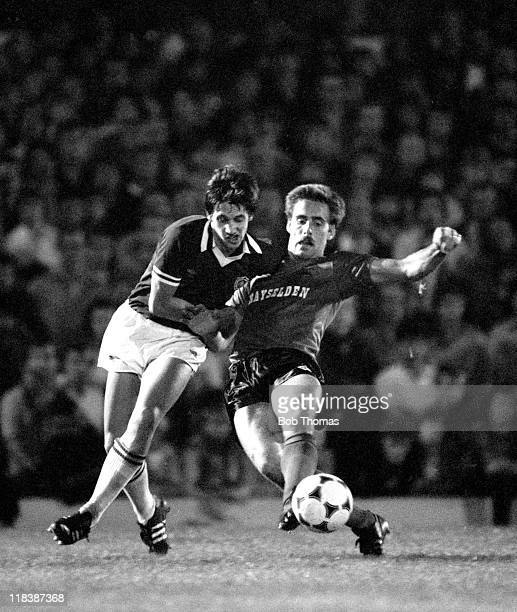 Leicester City striker Gary Lineker battles with Barnsley defender Mick McCarthy during their 2nd Division match at Filbert Street in Leicester 8th...