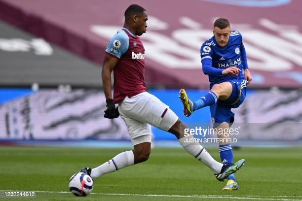 Leicester City's English striker Jamie Vardy has an unsuccessful shot during the English Premier League football match between West Ham United and...