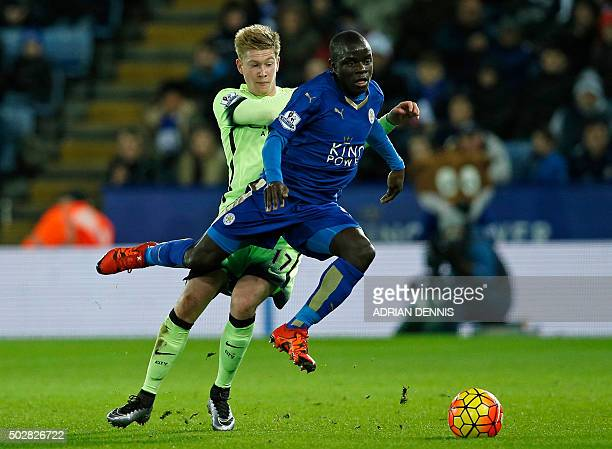 Leicester City's French midfielder N'Golo Kante vies with Manchester City's Belgian midfielder Kevin De Bruyne during the English Premier League...