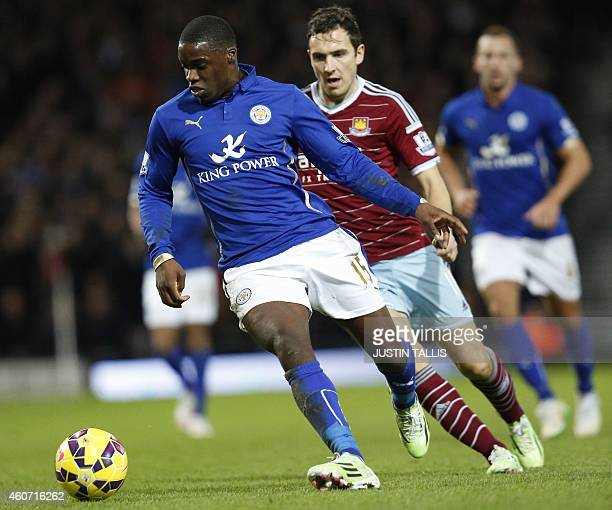 Leicester City's Ghanaian striker Jeff Schlupp runs with the ball during the English Premier League football match between West Ham United and...