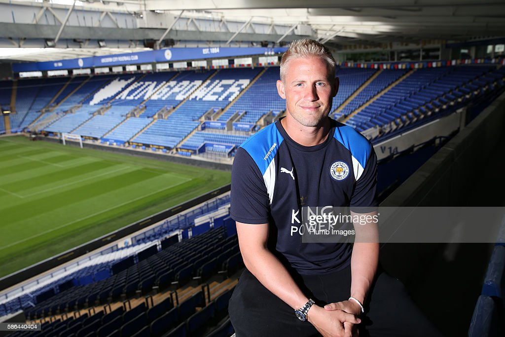 Kasper Schmeichel Signs a New Contract at Leicester City