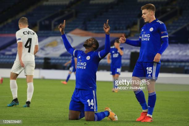 Leicester City's Nigerian striker Kelechi Iheanacho celebrates scoring his team's third goal during the UEFA Europa League 1st round Group G football...