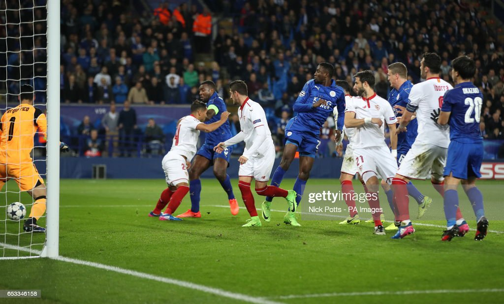 Leicester City v Sevilla - UEFA Champions League - Round of 16 - Second Leg - King Power Stadium : News Photo