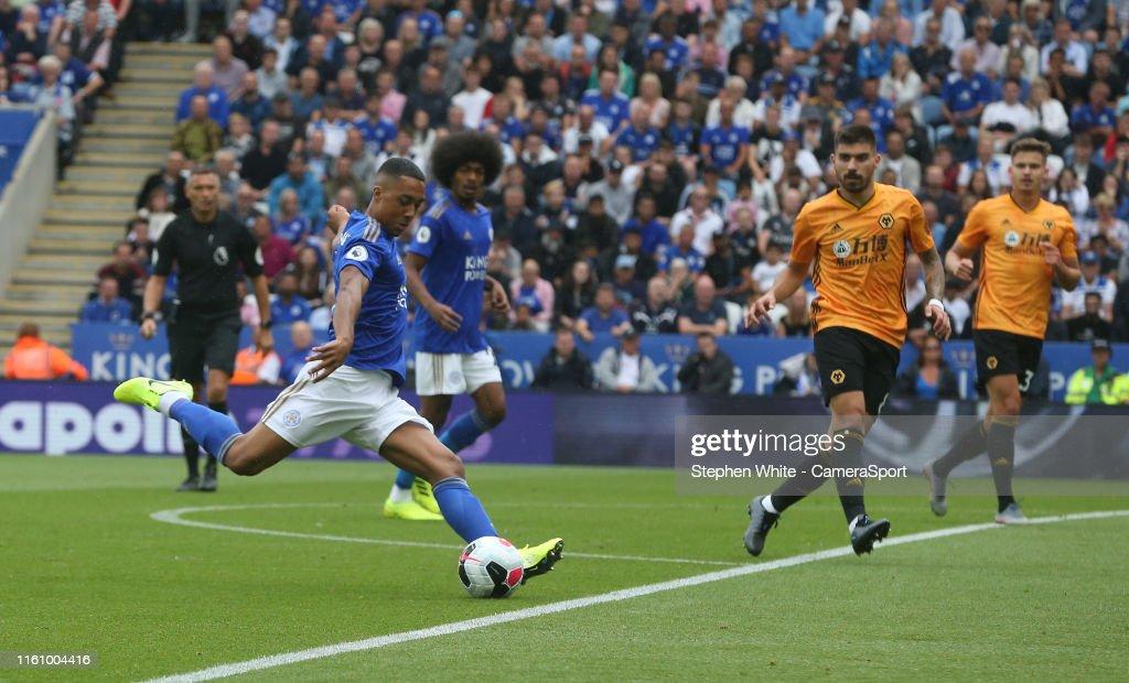 Leicester City v Wolverhampton Wanderers - Premier League : Nieuwsfoto's