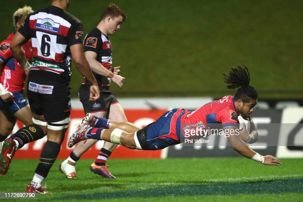 Leicester Faing'anuku of Tasman scores a try during the round 5 Mitre 10 Cup match between Counties Manukau and Tasman on September 06, 2019 in...