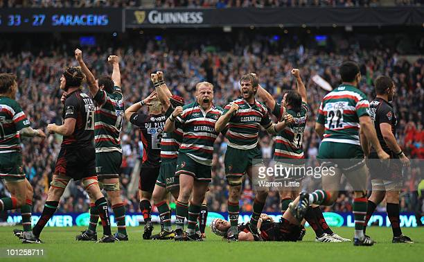 Leicester players celebrate victory after the final whistle during the Guinness Premiership Final between Leicester Tigers and Saracens at Twickenham...