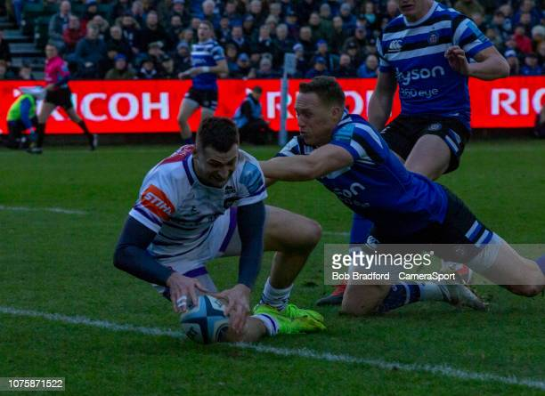 Leicester Tigers Jonny May scores his sides first try during the Gallagher Premiership Rugby match between Bath Rugby and Leicester Tigers at...
