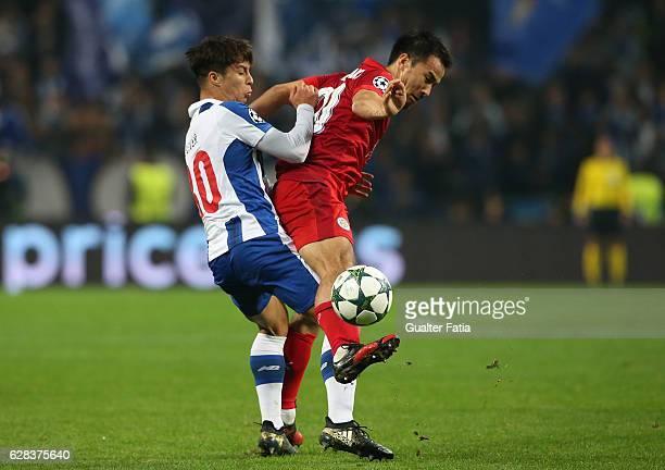 Leicester«s forward Shinji Okazaki from Japan with FC Porto's midfielder from Spain Oliver Torres in action during the UEFA Champions League match...
