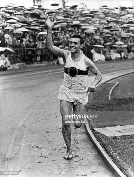 Leichtathlet BRDals Sieger im 10000mLauf beimLeichtathletikLänderkampf zwischender BRD und der UdSSR den die BRDmit 114106 Punkten überraschendfür...