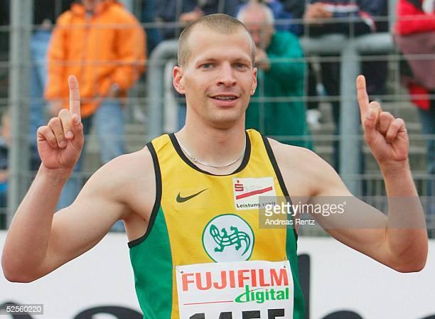 Leichtathletik: Deutsche Meisterschaft 2004, Braunschweig; 200 Meter / Maenner; Tobias UNGER / Salamander Kornwestheim / Ludw. 11.07.04.