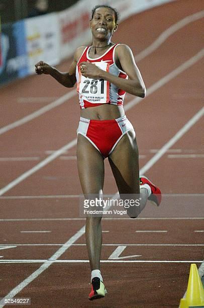 Leichtathletik: Indoor Sparkassen Cup 2004, Stuttgart; 5000m / Frauen; Andere BERHANE / ETH gewinnt mit neuem Weltrekord 31.01.04.