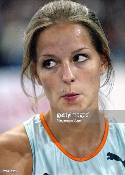 Leichtathletik: Indoor Sparkassen Cup 2004, Stuttgart; 60m / Frauen; Sina SCHIELKE / GER 31.01.04.