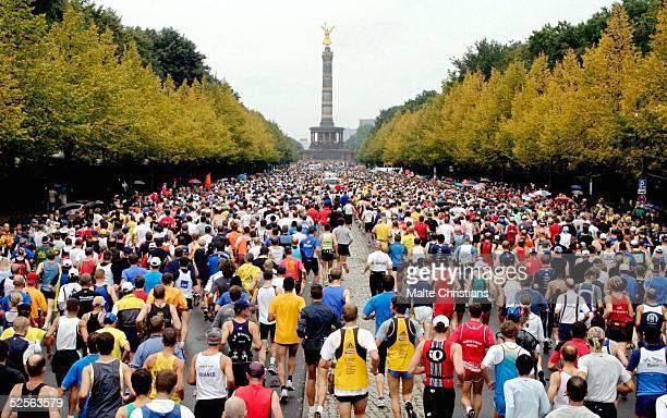 Leichtathletik / Marathon Berlin Marathon 2004 Start des Berlin Marathons 260904