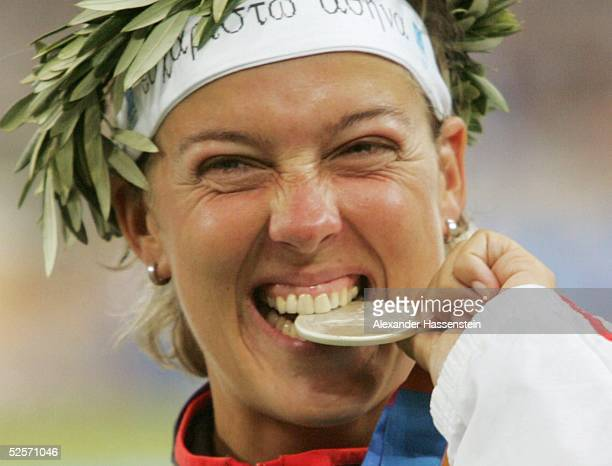 Leichtathletik: Olympische Spiele Athen 2004, Athen; Speerwerfen / Frauen; Silber: Steffi NERIUS / GER; - HIGHLIGHT - 27.08.04.