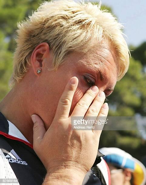 Leichtathletik Olympische Spiele Athen 2004Ancient Olympia Kugelstossen / Frauen Astrid KUMBERNUSS / GER scheidet in der Qualifikation vorzeitig aus...