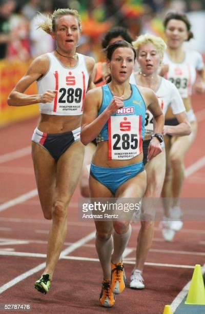 Leichtathletik : Sparkassen Cup 2005, Stuttgart, 29.01.05;3000 Meter Frauen;Sabrina MOCKENHAUPT/GER belegte den vierten Platz. Links die...