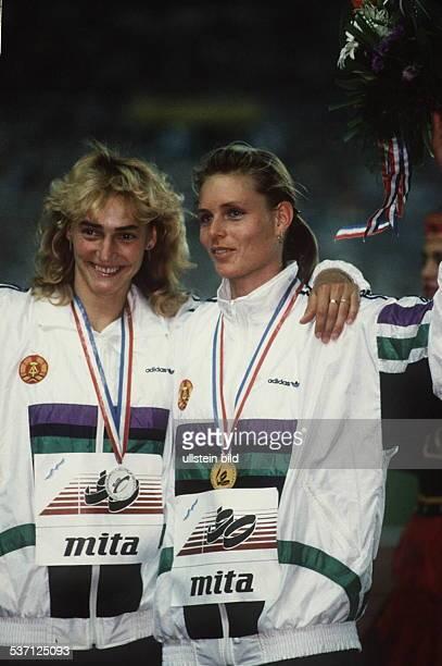 Leichtathletin DDR Siegerehrung 200m EM in Split als Europameisterin mit der Zweiten Heike Drechsler