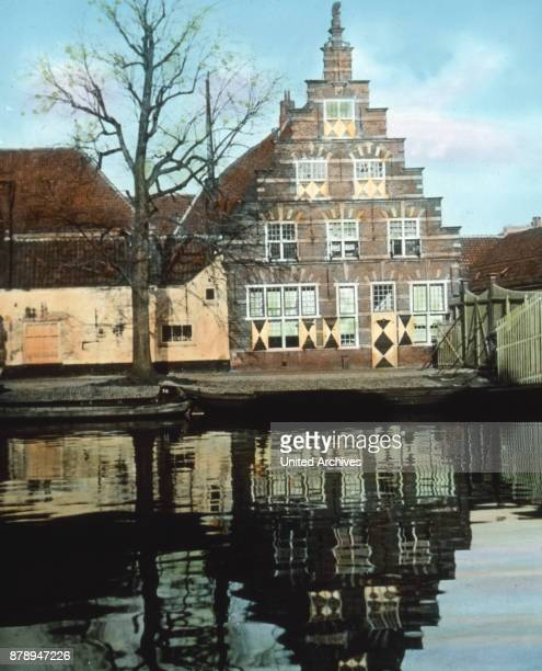 Leiden has a very prestigious university Famous scholars have worked there and they glorified with their names The library holds 14000 valuable...