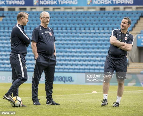 Leif Gunnar Smedrud Lars Lagerback Per Joar Hansen Perry of Norway during training session before Iceland v Norway at Ullevaal Stadion on May 29 2018...