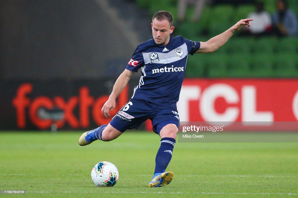 A-League Rd 8 - Melbourne v Perth : News Photo