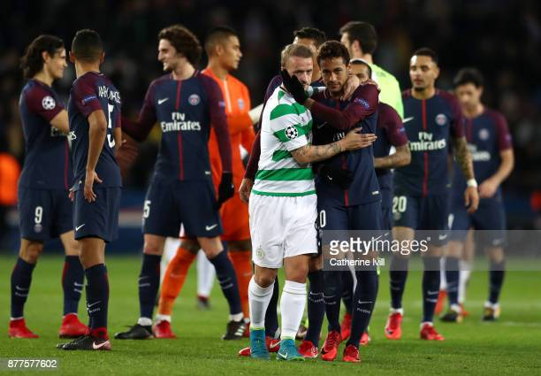 Leigh Griffiths of Celtic congratulates Neymar of PSG after the UEFA Champions League group B match between Paris SaintGermain and Celtic FC at Parc...