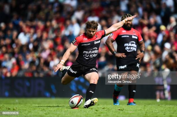 Leigh Halfpenny of Toulon during the Top 14 match between Rc Toulon and Castres Olympique on April 15 2017 in Toulon France
