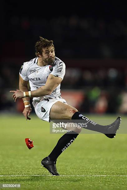 Leigh Halfpenny of Toulon takes a penalty kick during the European Rugby Champions Cup match between Saracens and RC Toulon on January 21 2017 in...